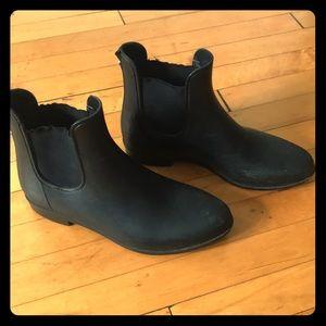 Black Chelsea rain boots